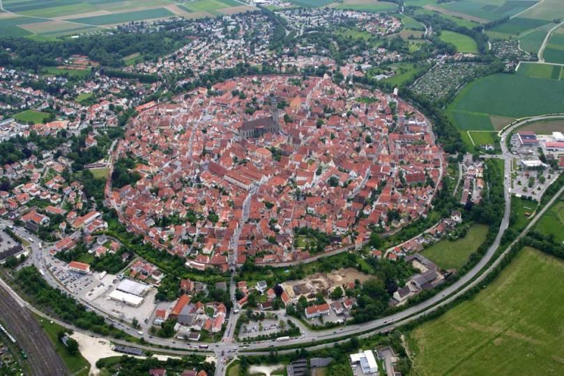 NÖrdlingen, a city of 72k diamonds