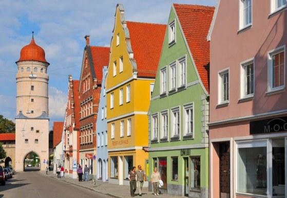 Nödlingen houses made of diamonds